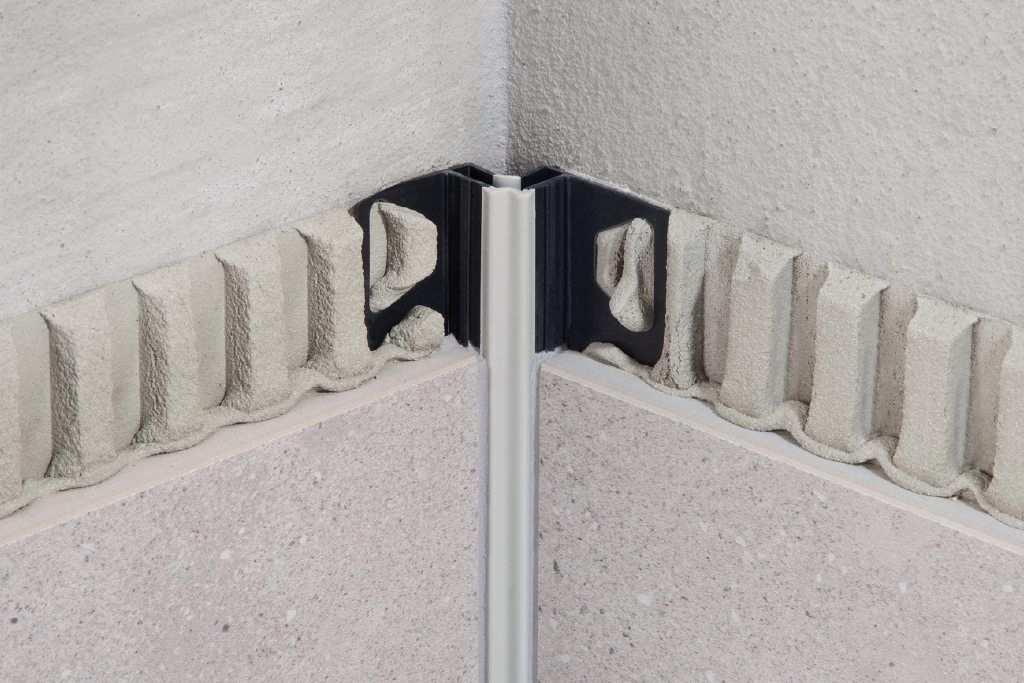 Schlüter DILEX-EF flexibles einteiliges Eckprofil aus Hart-/ Weichkunststoff